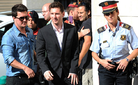 Messi tron thue hinh anh
