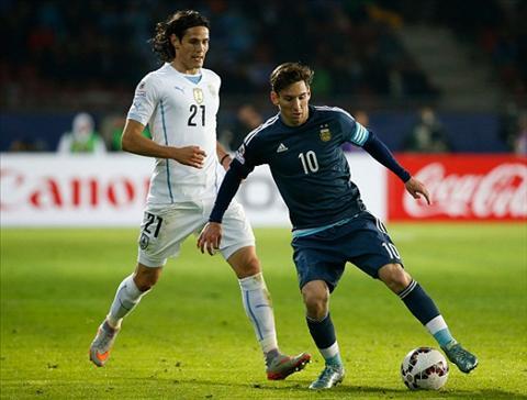 Copa America 2015 Leo Messi kich liet to Uruguay bo bong da nguoi hinh anh