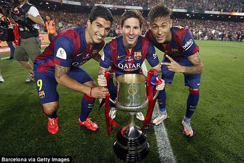 MSN thang hoa, Messi het loi khen ngoi cac chien huu