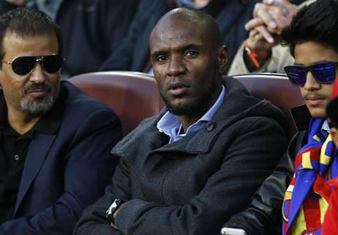 Eric Abidal nhieu kha nang se tro thanh GDTT cua Barca.