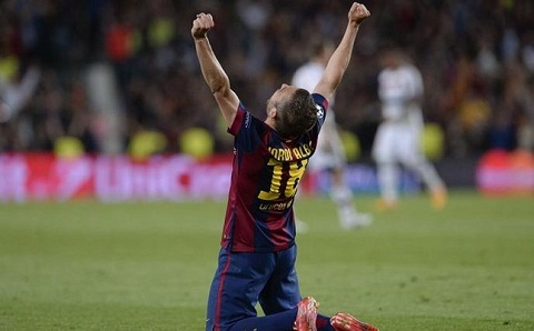 Jordi Alba the song the chet gan bo tron doi voi Barcelona hinh anh