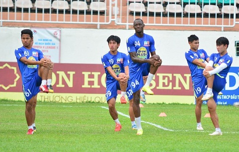 vong 13 V-League 2015 hinh anh
