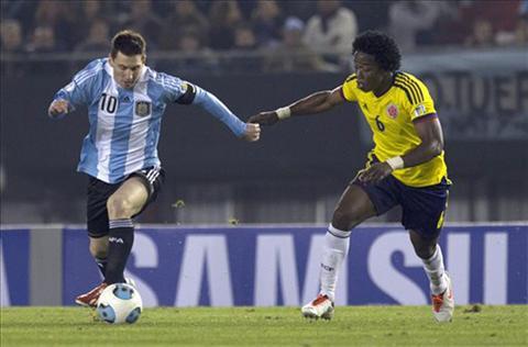 Lionel Messi noi gi sau man do sung nghet tho giua Argentina vs Colombia hinh anh