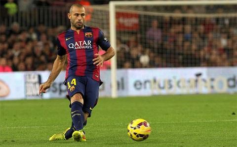 Tan binh tu Real chan thuong nang, Juve chuyen sang rut ruot Barcelona hinh anh