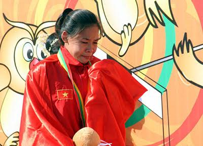 Nu hoang di bo Thanh Phuc duoc tra lai HCV SEA Games hinh anh