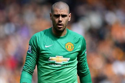 Newcastle muon giai thoat Valdes khoi dia nguc Old Trafford hinh anh