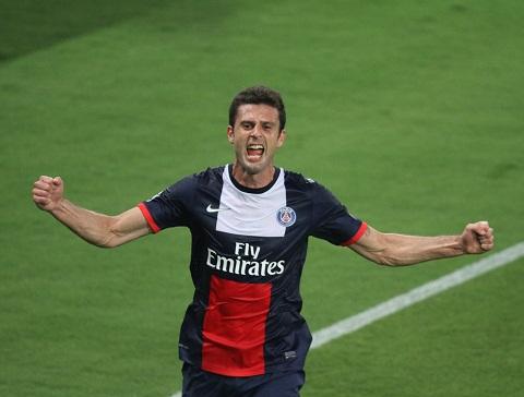 Arsenal bat ngo muon mua Thiago Motta hinh anh