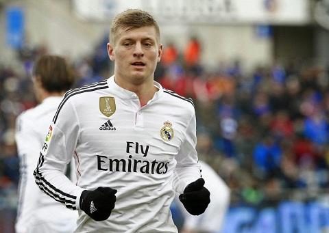 Em trai tien ve Toni Kroos mang tin vui cho MU va Arsenal hinh anh 2
