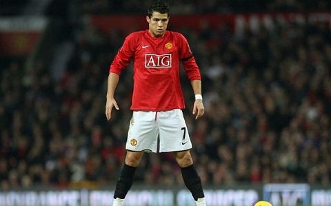 Ganh nang so 7 cua M.U: Hanh trinh tim kiem… Ronaldo moi