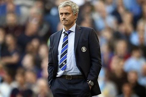 Arsenal vs Chelsea Mourinho da xoay Wenger hinh anh
