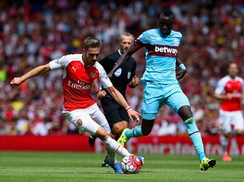 Arsenal vs West Ham Vo mong tu trong trung nuoc
