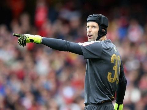 Petr Cech da sa sut phong do qua nhanh