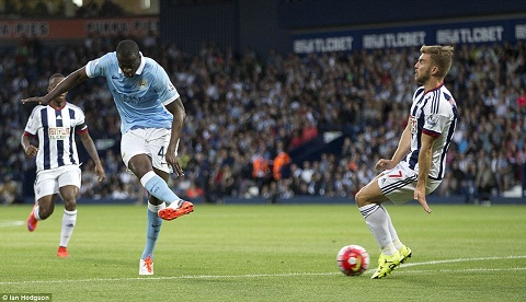 Du am tran West Brom 0-3 Man City Tien ve Sterling ra mat that vong hinh anh