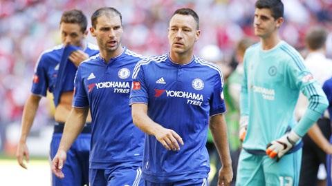 Mourinho muon thay mau hang thu Chelsea hinh anh