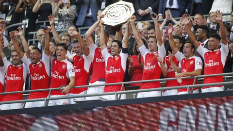 Wenger tren co Mourinho ve chat  thuc dung, Arsenal doat Sieu cup Anh 2015 hinh anh