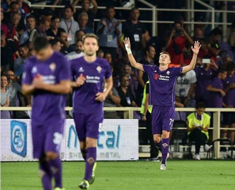 Video clip ban thang Fiorentina 2-0 Milan (Vong 1 Serie A 201516) hinh anh