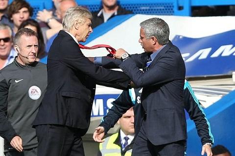 Nguoi cu khuyen HLV Wenger nen hoc tap Mourinho hinh anh 2