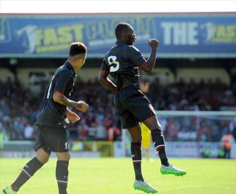 Video ban thang Swindon 1-2 Liverpool (Giao huu he 2015) hinh anh