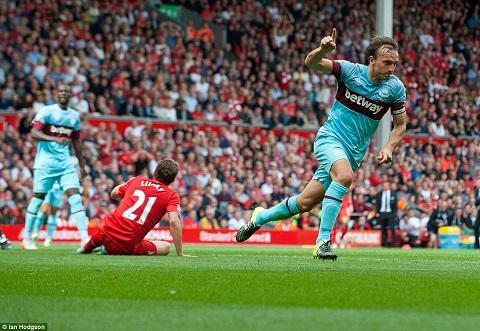 Hau Liverpool 0-3 West Ham Phoi bay tran trui 3 sai lam cua HLV Rodgers hinh anh 2