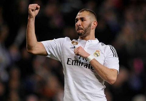 Benitez tiet lo tuong lai cua tien dao Benzema cua Real Madrid hinh anh