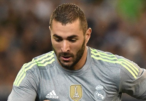 Arsenal quyet tam theo duoi tien dao Benzema cua Real Madrid hinh anh