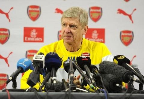 Wenger Muc tieu cua Arsenal la vo dich Premier League 201516 hinh anh