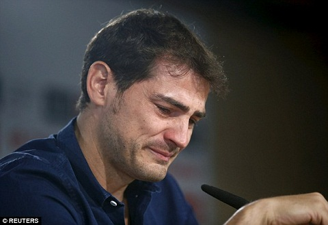 Tiet lo vu Casillas roi Real Madrid hinh anh