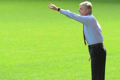 Wenger dap le Mourinho Han ta chang co cong can gi voi Chelsea hinh anh