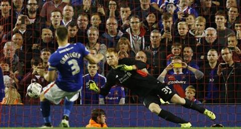 Video clip ban thang Liverpool 1-1 (pen 3-2) Carlisle (Vong 3 Cup Lien doan Anh 20152016) hinh anh