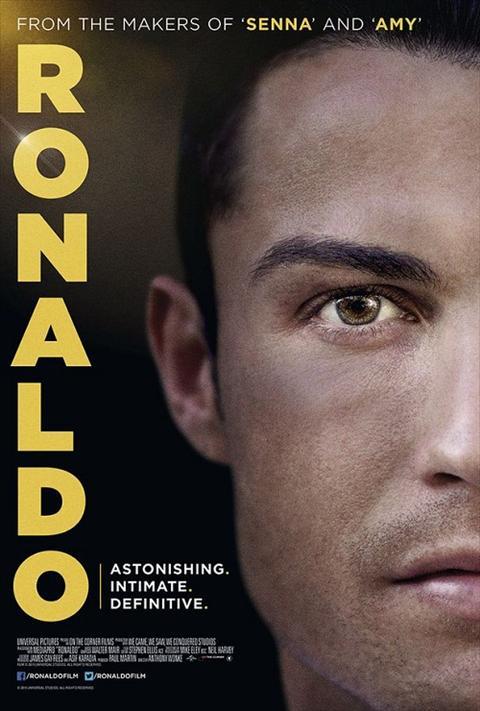 Cuoc doi sieu sao Cristiano Ronaldo duoc tai hien tren phim anh hinh anh