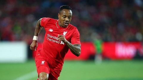 Hau ve Nathaniel Clyne Liverpool co the vo dich EPL hinh anh