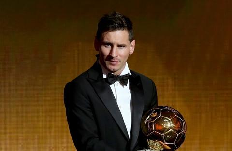 Ngoi sao Lionel Messi da gianh Qua bong vang FIFA 2015 tai le trao gai hinh anh