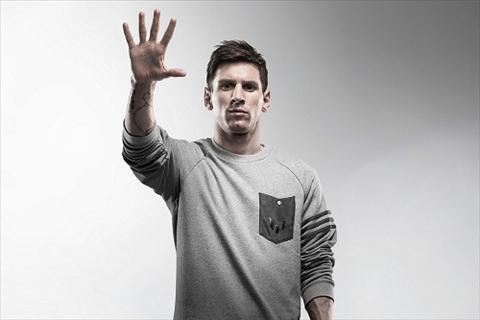 Messi khoe BST Qua bong vang va giay ma vang cua Adidas hinh anh 2