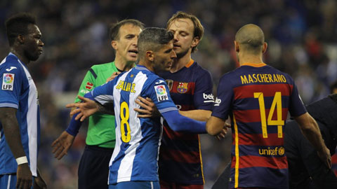 Du am Espanyol 0-2 Barcelona Bao luc, xuc xiem va dau lon hinh anh