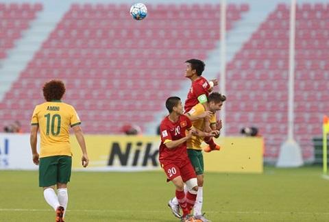 Du am U23 Viet Nam 0-2 U23 Australia Pressing va choi het minh hinh anh