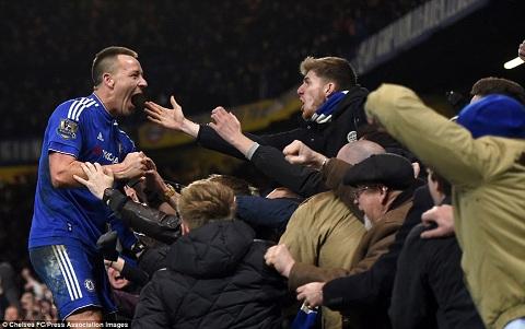 Guus Hiddlink thuc giuc Chelsea gia han voi Terry hinh anh