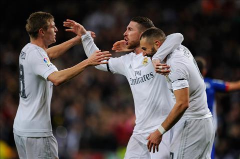 Real Madrid 5-1 Gijon Sau 60 nam Real moi lai ghi 3 ban sau 15 phut hinh anh
