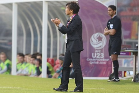 HLV Miura noi gi sau tran thua dang khich le truoc U23 Australia hinh anh