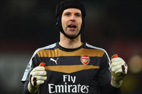 Cech cuu tinh Arsenal