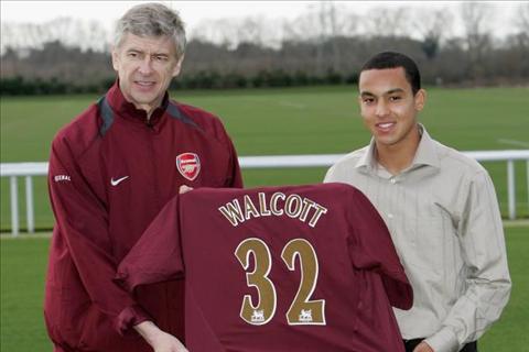 Thong ke ve tien dao Theo Walcott sau 10 nam tai Arsenal hinh anh