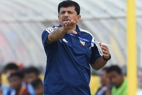 HLV U23 UAE kinh ngac truoc man trinh dien cua U23 Viet Nam hinh anh