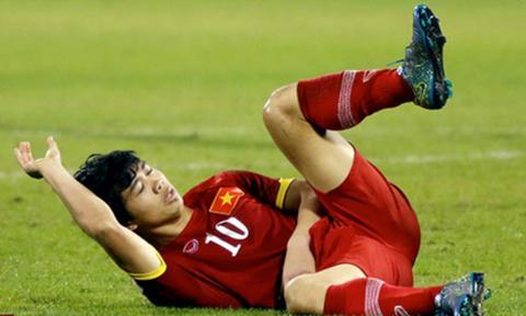 NONG Cong Phuong phai phau thuat chan thuong sau tran thua U23 UAE hinh anh