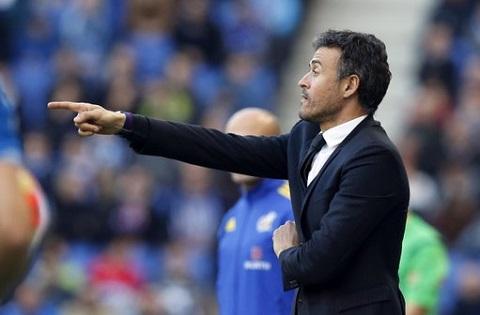 Luis Enrique ngam trach trong tai sau tran hoa Espanyol hinh anh