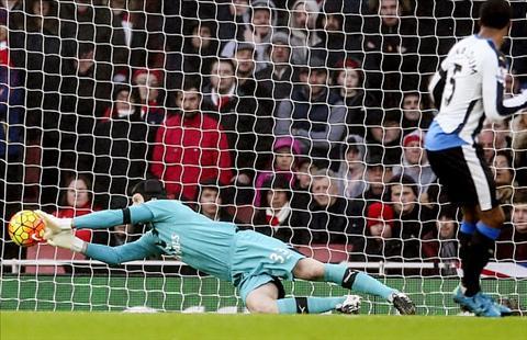 Nhung dieu rut ra sau chien thang vat va cua Arsenal truoc Newcastle hinh anh