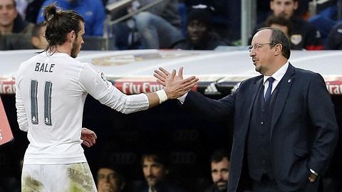 Tien ve Gareth Bale tung xin Real Madrid khong sa thai Benitez hinh anh