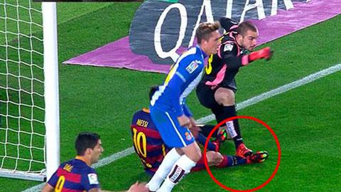Thu mon Espanyol len tieng minh oan vu giam chan Messi hinh anh