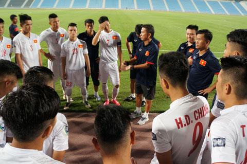 U19 Viet Nam truoc giai U19 chau A Lay cam hung tu doi tuyen QG hinh anh