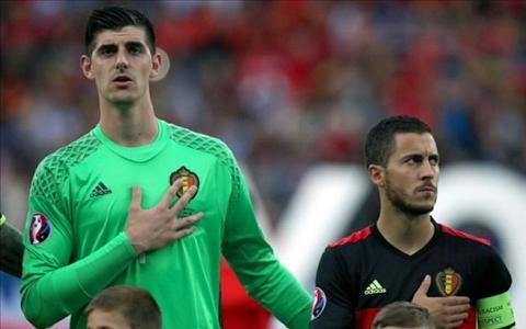 Thich the hien, Hazard bi dong doi Chelsea mang te tat hinh anh