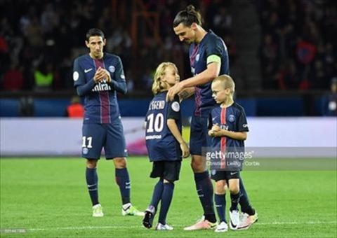Con trai Ibrahimovic gia nhap MU hinh anh
