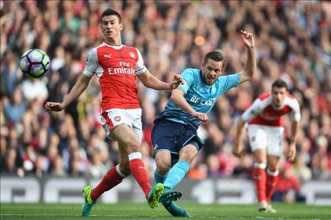 Arsenal 3-2 Swansea Tot dep pho ra, xau xa chang day duoc hinh anh 2